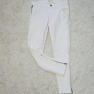 Current/Elliott white zippered ankle cropped jeans
